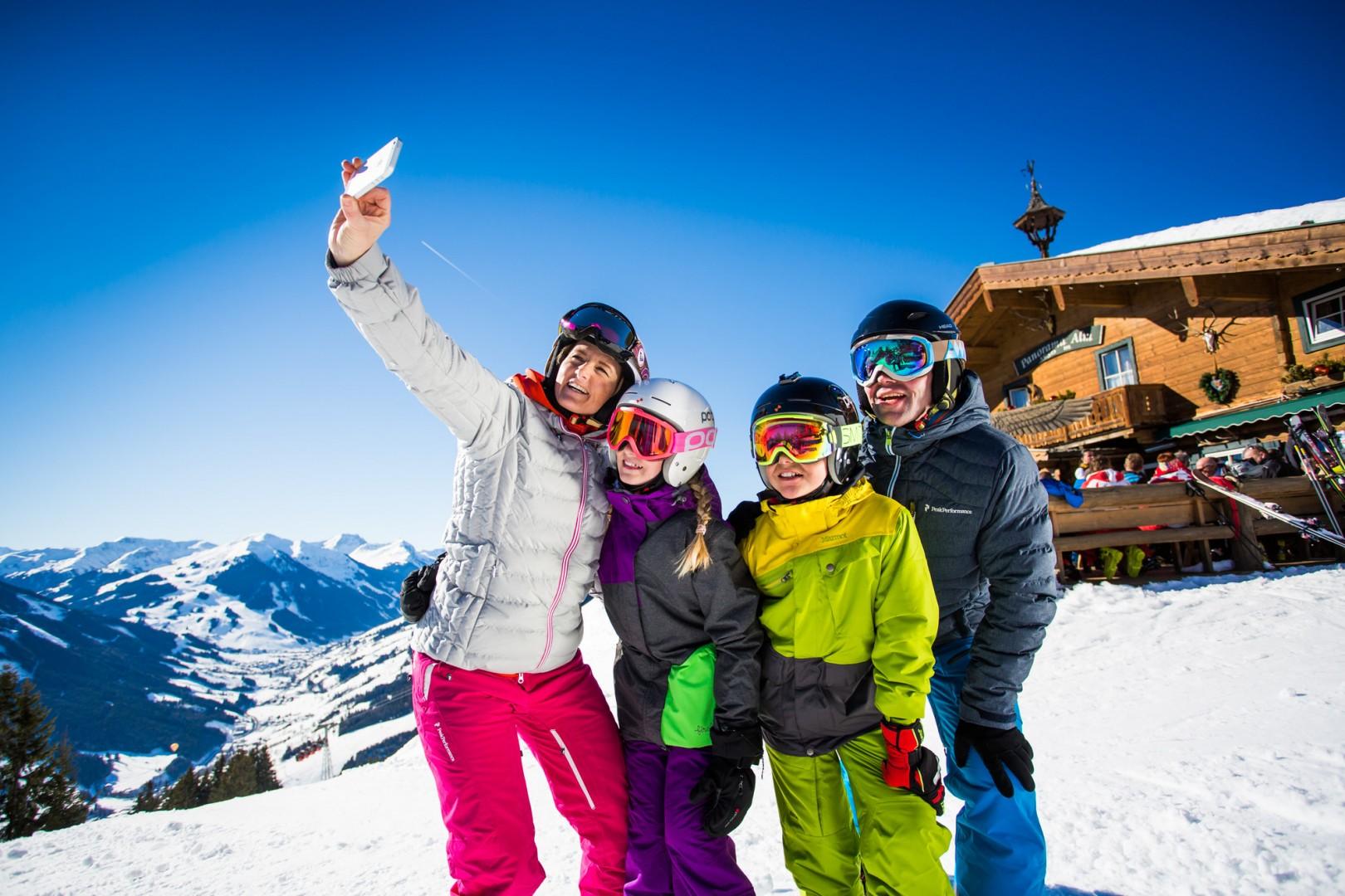 Spaß für Groß und Klein im Skigebiet Saalbach-Hinterglemm