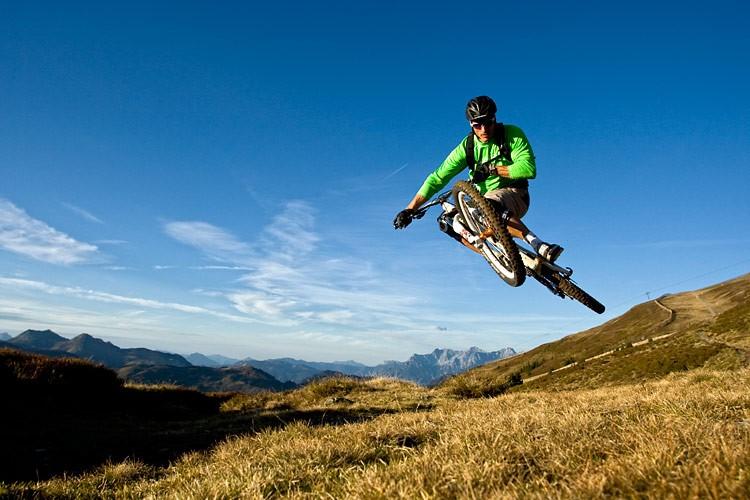 Downhillaction in Saalbach-Hinterglemm